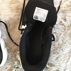 Under Armour Shoes - 🖤UNDER ARMOUR shoes